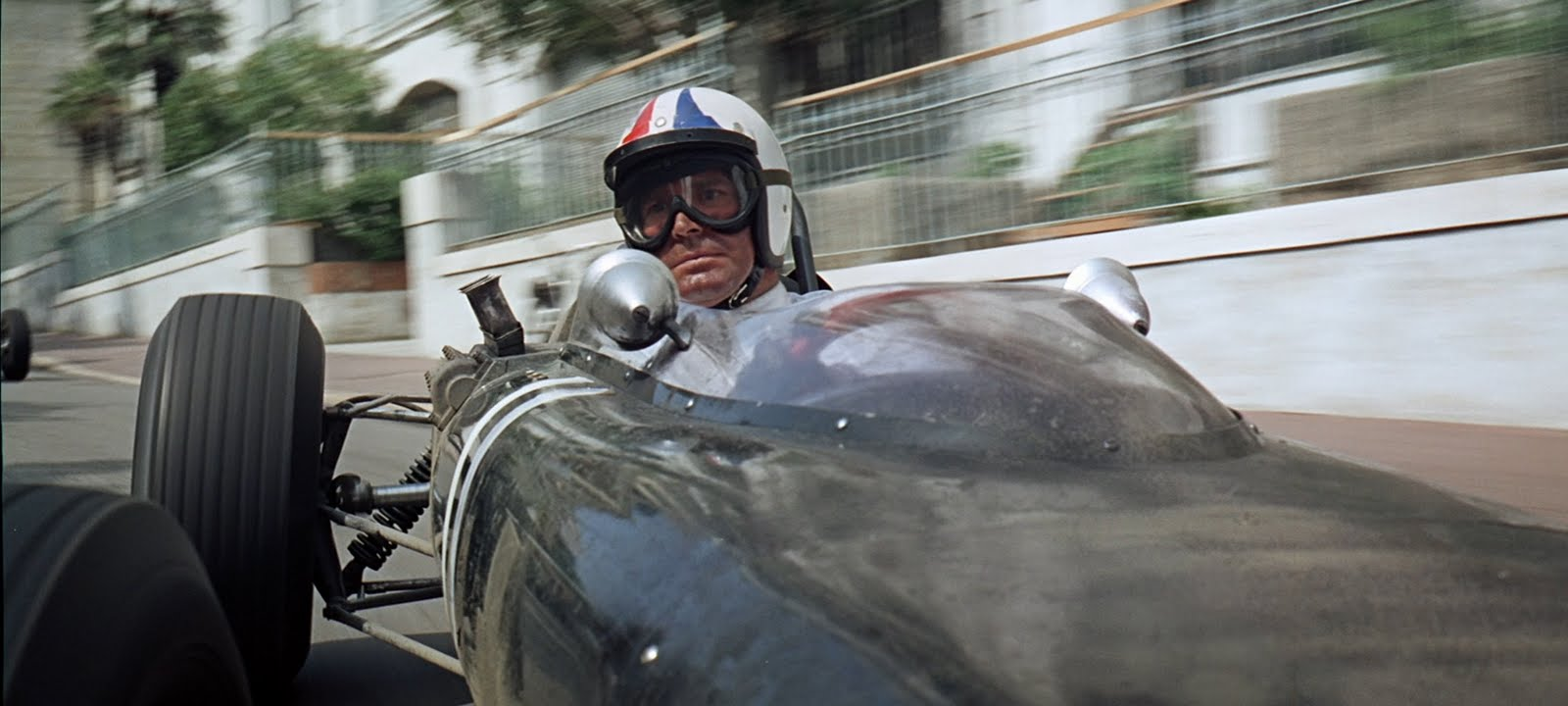 James Garner as Pete Aron in John Frankenheimer's Grand Prix © Respective owner